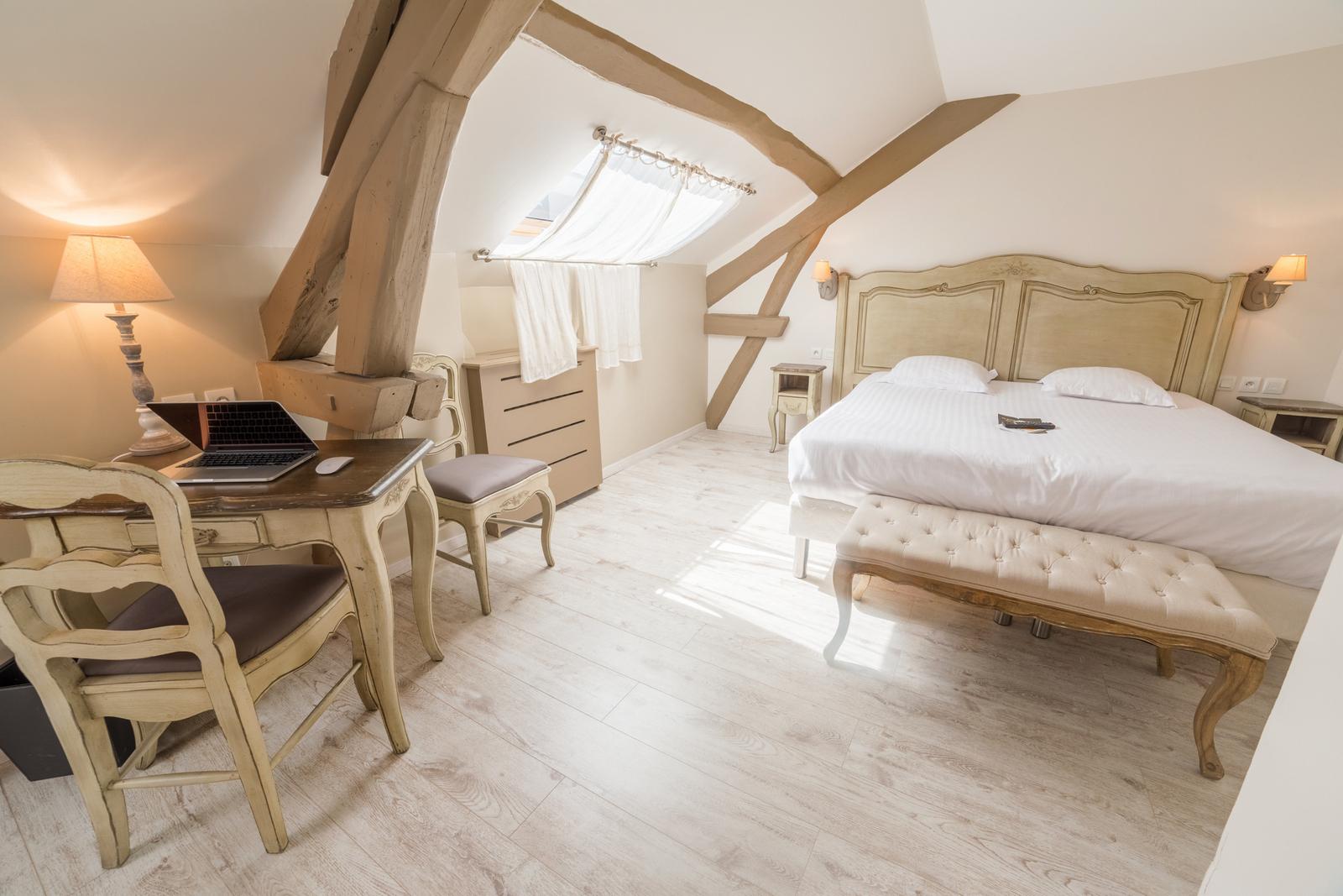 Chambre Hôtel des Poèmes de Chartres
